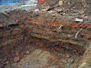 Grabung im Bereich Badergasse 2 (gehörte zum Grabungskomplex Baderberg 10 bis 14), Foto: Dr. H.-D. Langer